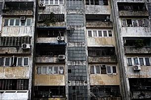 poverty_apartment_305_z.jpg