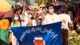 ၂၀၂၁၊ မေ ၁၄ ရက်နေ့က ရန်ကုန်မြို့ လှိုင်မြို့နယ်မှာ ဆန္ဒပြတဲ့ မြို့နယ်ပေါင်းစုံက ဆေးပညာရှင်အဖွဲ့ရဲ့ စစ်အာဏာရှင်ဆန့်ကျင်ရေး ဆေးသပိတ်