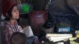 ချင်းပြည်နယ် တီးတိန်မြို့က ဒေါ်ဇမ်ခန့်ကျိမ်နဲ့ မိသားစုကို ၂၀၂၁ သြဂုတ် ၁၃ ရက်နေ့က တွေ့ရစဉ်