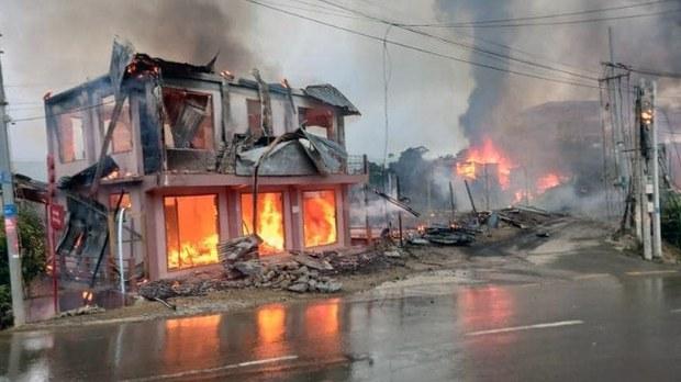 ချင်းပြည်နယ်၊ ထန်တလန်မြို့လယ်ခေါင်တိုက်ပွဲကြောင့် ပျက်ဆီးသွားတဲ့ နေအိမ်အချို့ကို ၂၀၂၁ စက်တင်ဘာ ၁၉ ရက်နေ့က တွေ့ရစဉ်