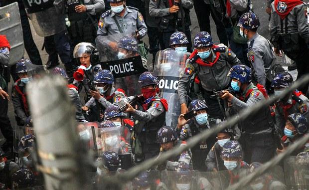 ဆန္ဒပြသူတွေကို ကျည်အစစ်နဲ့ မပစ်ခဲ့ကြောင်း အာဏာသိမ်း စစ်ခေါင်းဆောင်ပြော