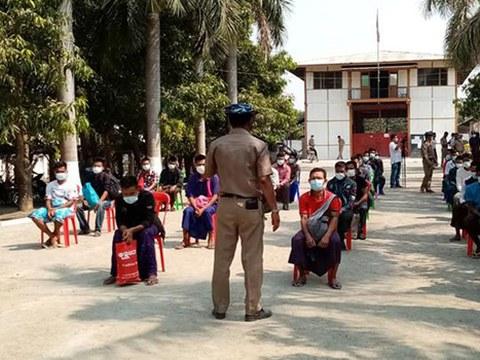 မြန်မာနှစ်သစ်ကူးမှာ သမ္မတရဲ့လွတ်ငြိမ်းသက်သာခွင့်နဲ့ နေပြည်တော်က အကျဉ်းသားတွေကို ၂၀၂၀ ဧပြီ ၁၇ ရက်နေ့က ပြန်လွှတ်စဉ်