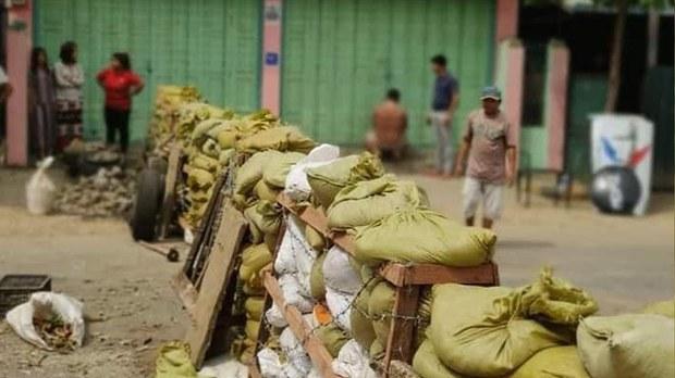 တမူးမှာပစ်ခတ်နေလို့ ဒေသခံတွေ အိန္ဒိယဘက်ထွက်ပြေး