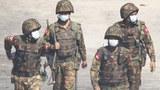 ၂၀၂၁ ဖေဖော်ဝါရီ ၂၈ ရက်နေ့က စစ်ကောင်စီတပ်သားများကို ရန်ကုန်မြို့တွင် တွေ့ရစဉ်။