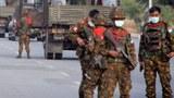 လုံခြုံရေးစောင့်နေတဲ့ စစ်ကောင်စီတပ်သားတွေကို တွေ့ရစဥ်