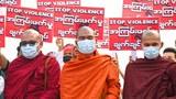 စစ်အာဏာသိမ်းမှု ဆန့်ကျင်ဆန္ဒပြနေကြတဲ့ သံဃာတော်များကို ၂၀၂၁ ဖေဖော်ဝါရီလက ရန်ကုန်မြို့မှာ  တွေ့ရစဥ်