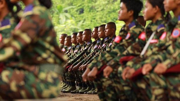 ရခိုင်မှာ စစ်တပ်ဘက်က အင်အားတိုးချ၊ လက်နက်ကိုင်နှစ်ဖွဲ့ကြား အားပြိုင်မှုတွေ ပိုများလာ