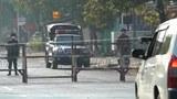 ရန်ကုန်မြို့မှာ စစ်ကောင်စီတပ်တွေ လမ်းပိတ်ထားတာကို တွေ့ရစဥ်